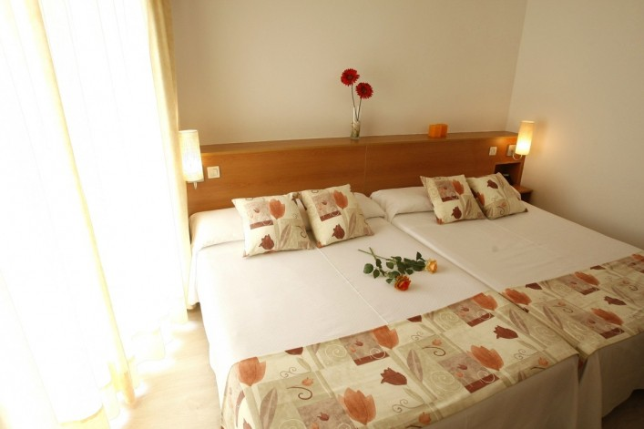 alojamiento en finestrat para parejas hotel alone