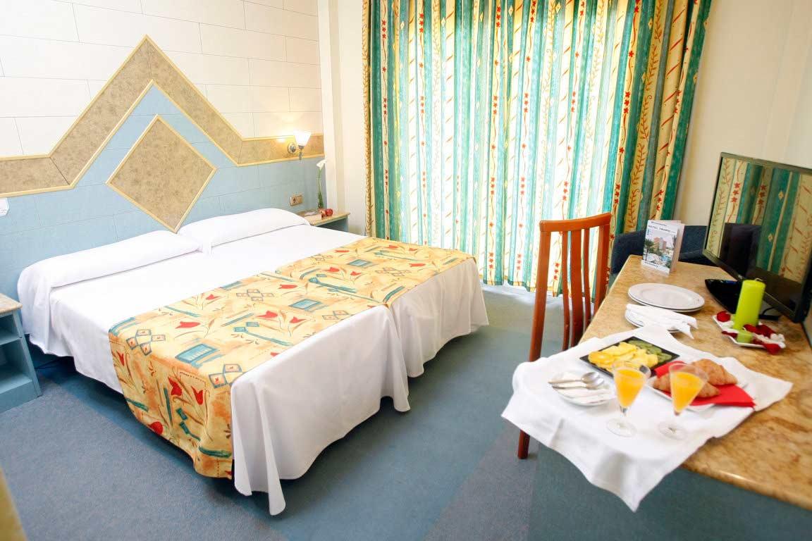 Hotel tropic relax finestrat benidorm medsur hoteles for Hoteles con habitaciones familiares en benidorm